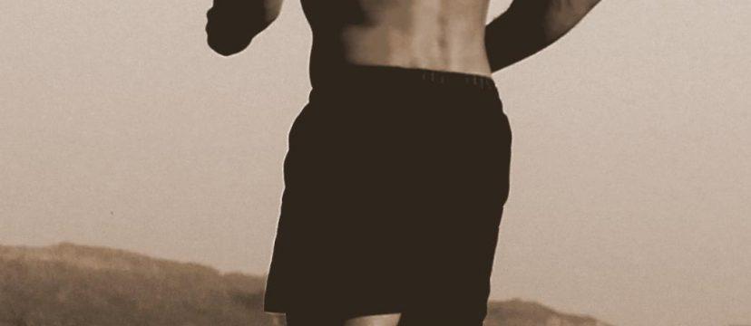 Sport mit nacktem Oberkörper
